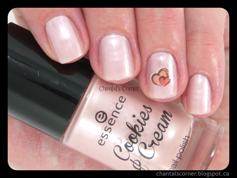 Essence Cookies & Cream Trend Edition Nail Polish in Macaron, c'est bon!