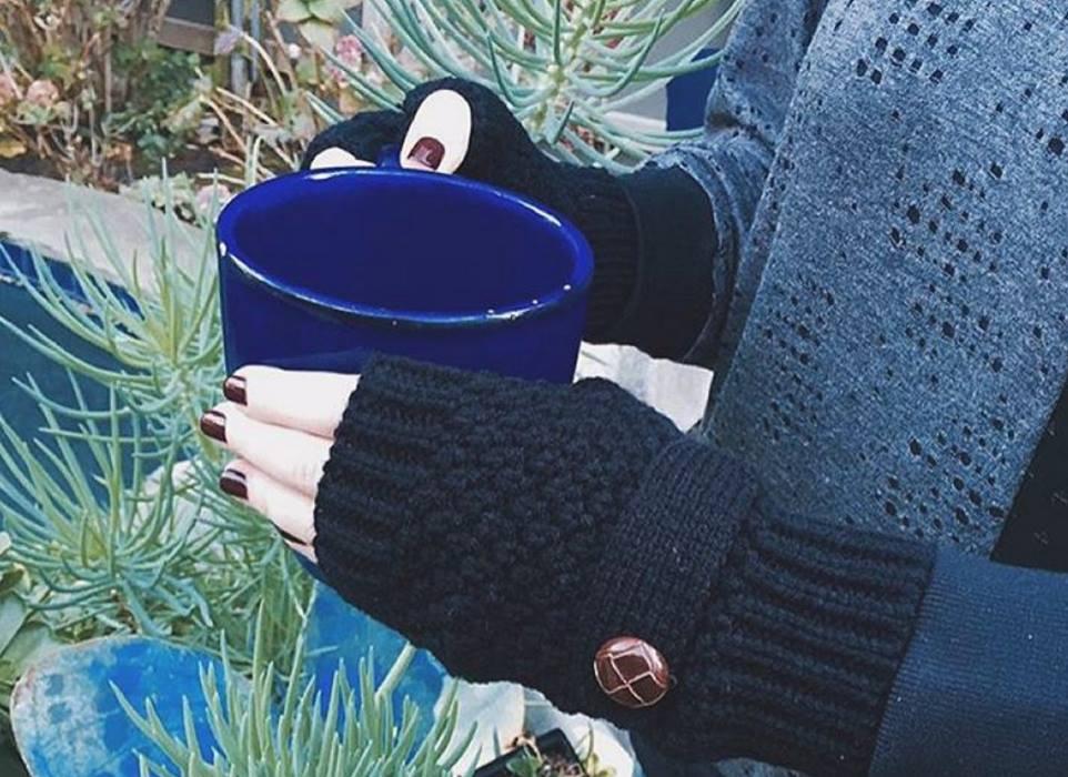 fabfitfun winter 2015 spoiler - fingerless gloves by Whitney Eve Port