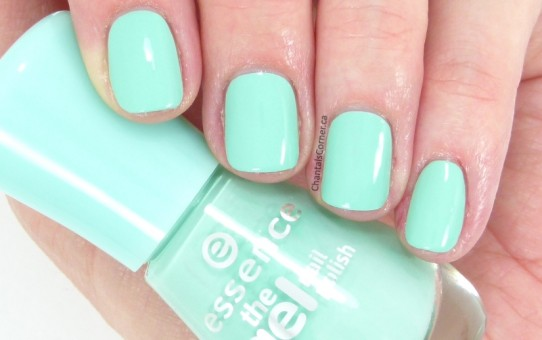 essence play with my mint nail polish