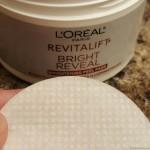 L'Oréal Paris RevitaLift Bright Reveal Brightening Daily Peel Pads
