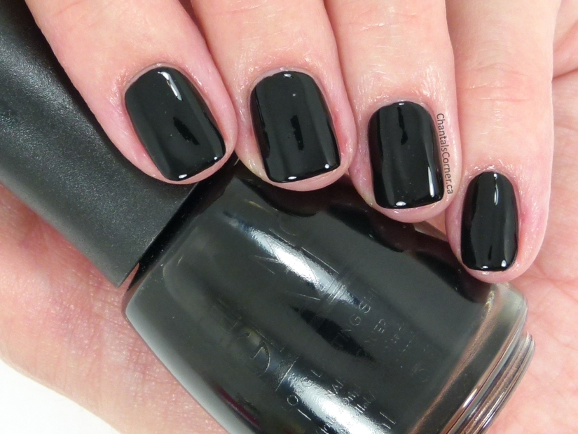 Ceramic Glaze Nail Polish in Little Black Dress – Swatches and Review