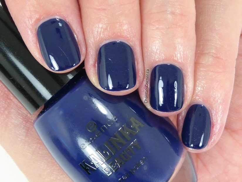 essence nail polish in absolut blue