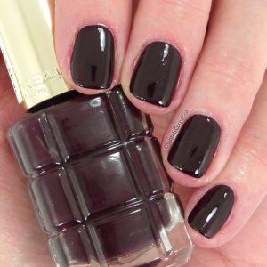 L'Oréal Nail Polish in Grenat Irrévérent