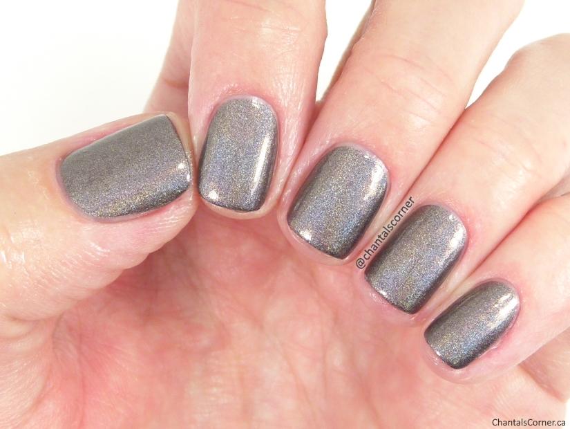Ceramic Glaze Nail Polish in Exclusive Invite