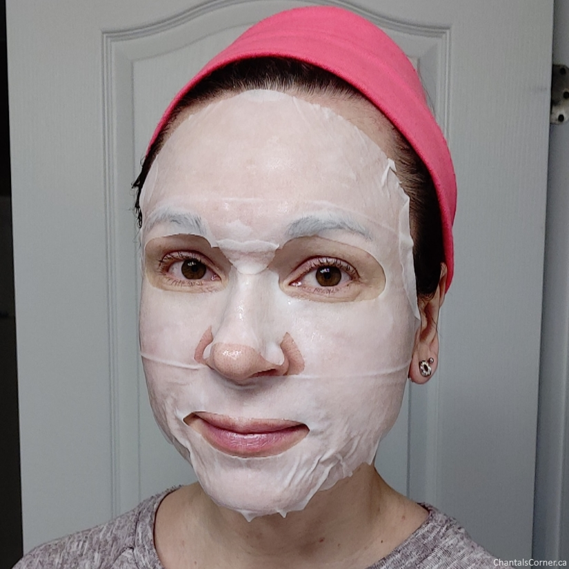 Innisfree My Real Squeeze Mask in Coconut selfie