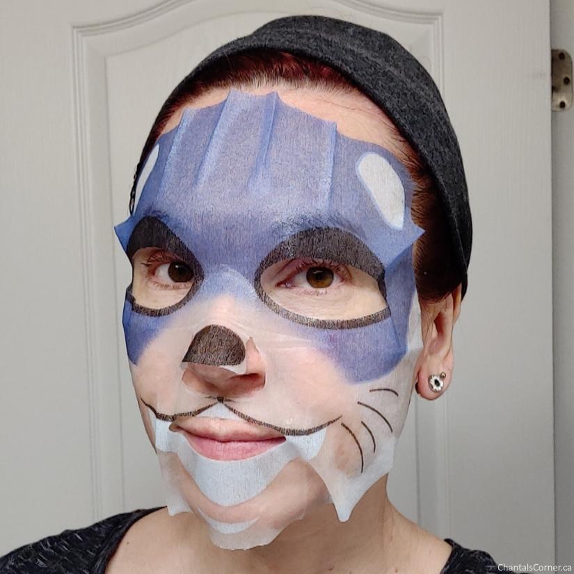 MasqueBAR Pretty Animalz Otter Sheet Mask selfie