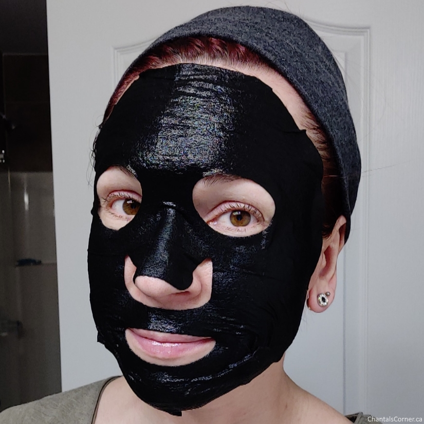 Sexylook Intensive Hydrating Cotton Black Mask selfie