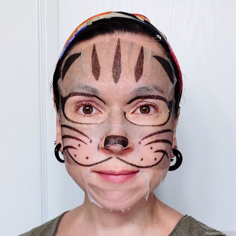 MasqueBAR Pretty Animalz Cat Sheet Mask selfie